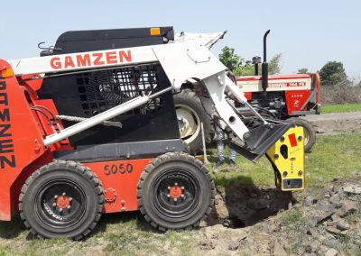 Gamzen Rock Breaker Breaking The Unwanted Rocks While Drilling Holes